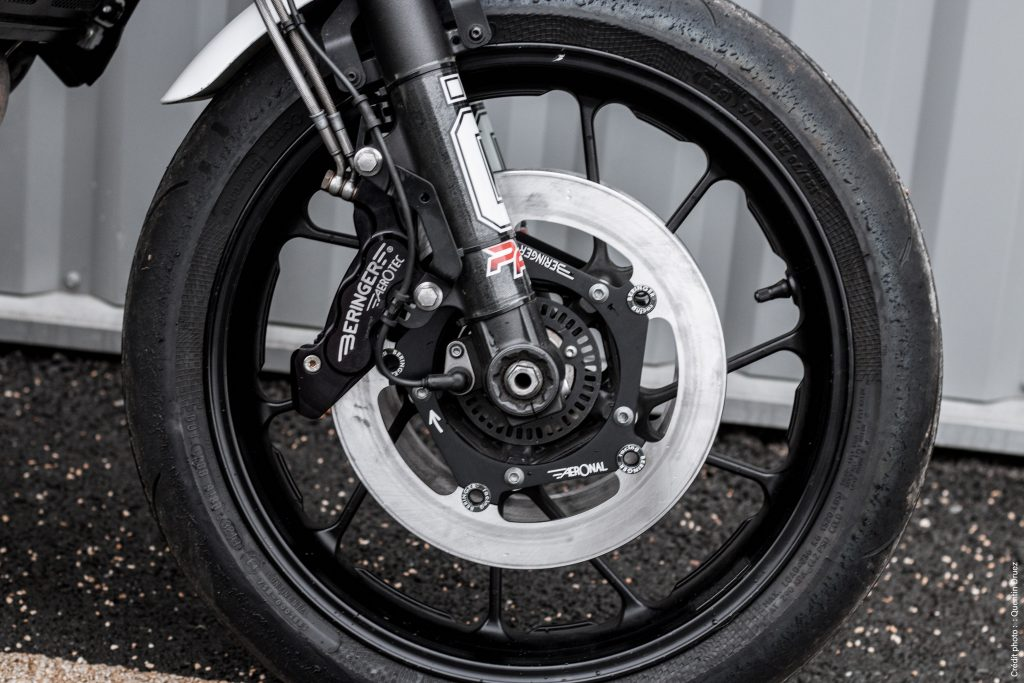 Yamaha brakes disc and caliper